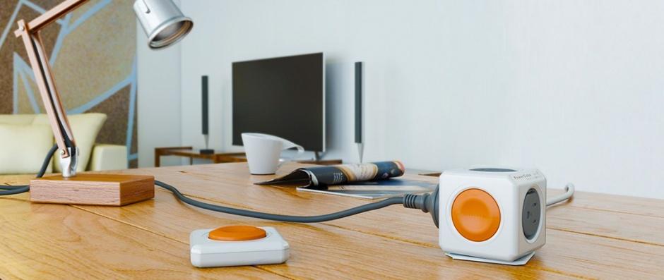 Imagine Prelungitor in forma de cub PowerCube Remote 4 prize cu Switch, Allocacoc-1