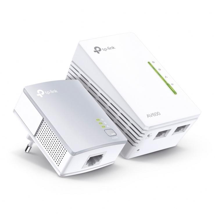 Imagine Kit 2 adaptoare Powerline Extender Wi-Fi AV600 300Mbps, TP-Link TL-WPA4220KIT